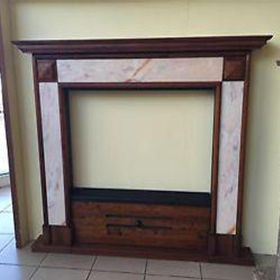 Legno Decorativo Per Camino cornice in legno e marmo per camini